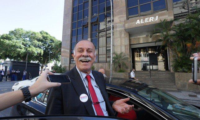 PSOL afasta deputado por voto a favor de Picciani