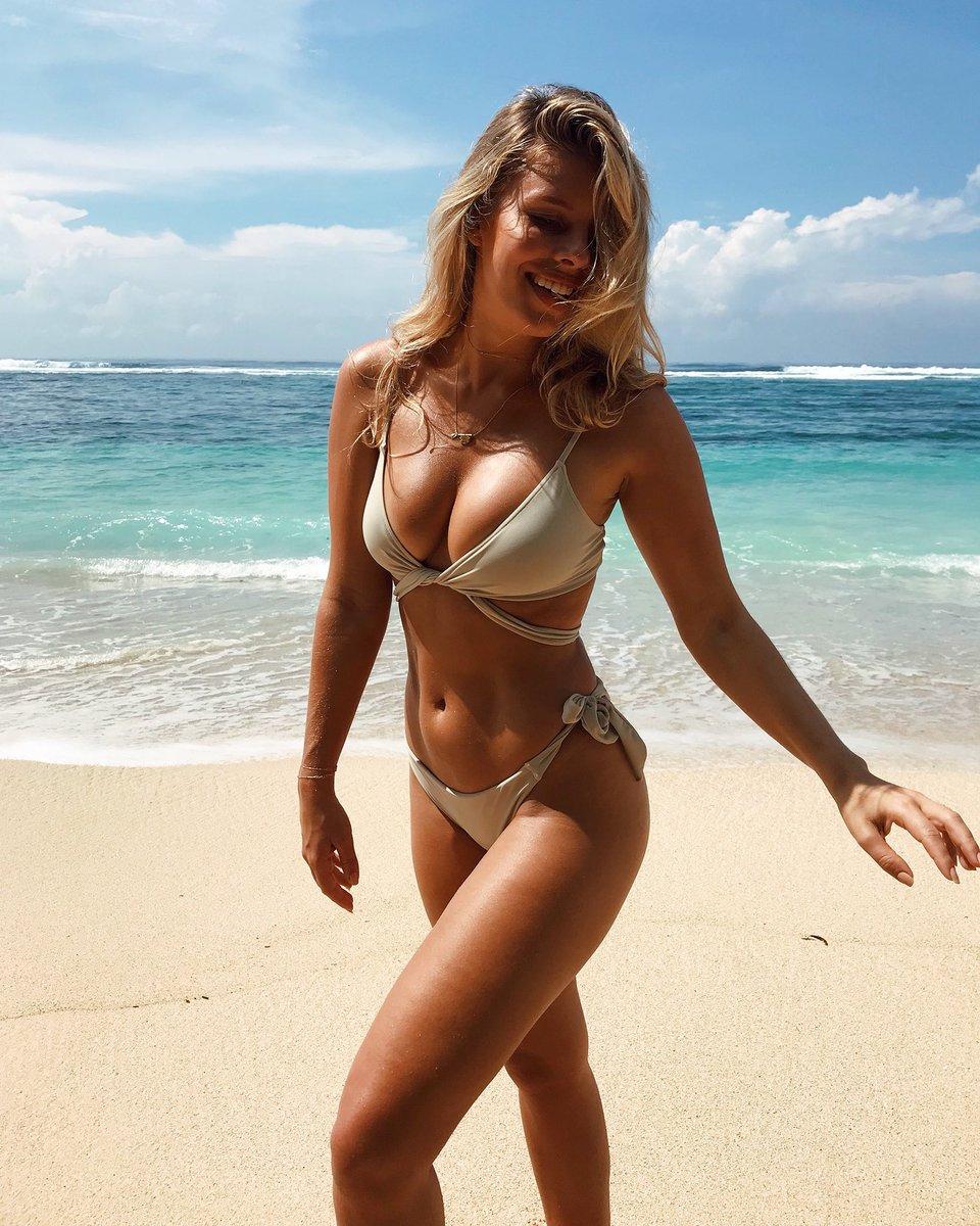 Paradise Found ???????? @mondayswimwear @bodybygilles https://t.co/BHnkEH4LNr