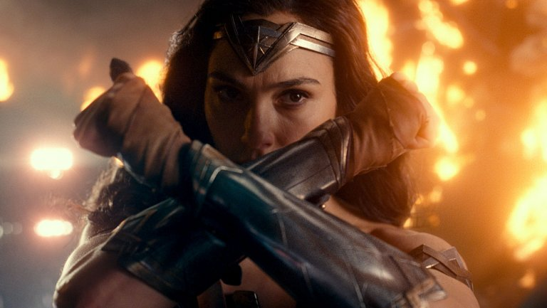 #JusticeLeague is not quite 'Wonder Woman 1.5' https://t.co/FAqHaLQKZ3 https://t.co/DaUHxQAc3G