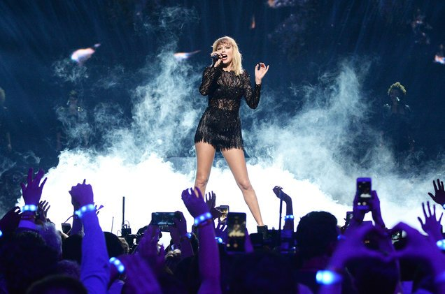 Congrats, Taylor Swift for landing your third UK No. 1 with #Reputation