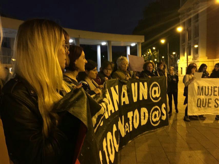 En Murcia esta tarde. #LaManadaSomosNosotras # https://t.co/TiOzhyv2dM