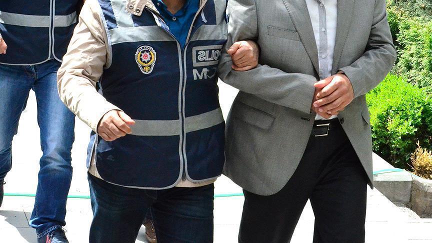 FETÖ'nün sözleşmeli subaylar imamının üst düzey sorumlusu tutuklandı https://t.co/TJLBuxN270 https://t.co/cdFXRQgTvv