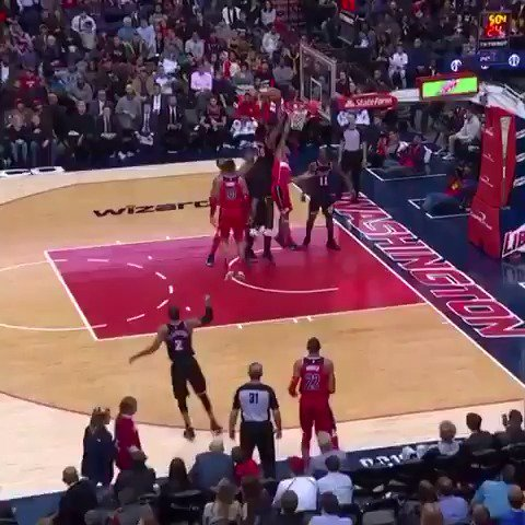Winslow putback. Waiters approval.  #HEATCulture https://t.co/yKLXIBy9Gr
