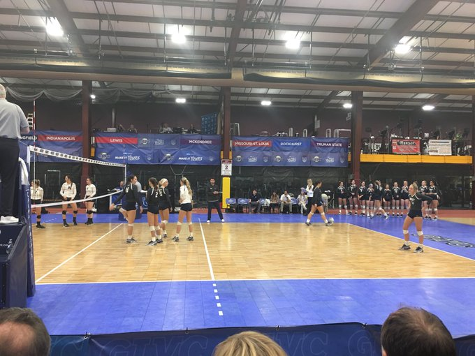 RT @ChancellorKoch: First round GLVC tournament win tonight for UIS Women's Volleyball!!! Congrats, ladies!!! #GoStars #Makin'History https…