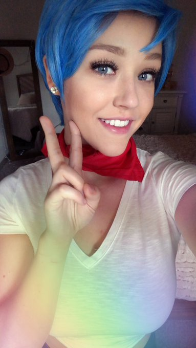 Going as Bulma today at ANT in memoriam of Hiromi Tsuru💙 https://t.co/SFw9jcFXPO