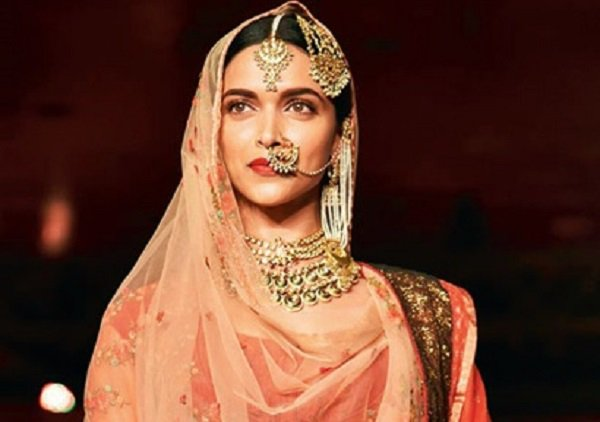 .@deepikapadukone Fear is not an emotion I have ever identified with via @mumbaimirror