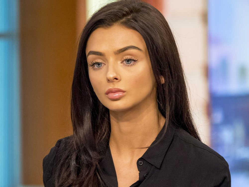 There Was A Petition To Stop Love Island's Kady From Turning On Christmas Lights