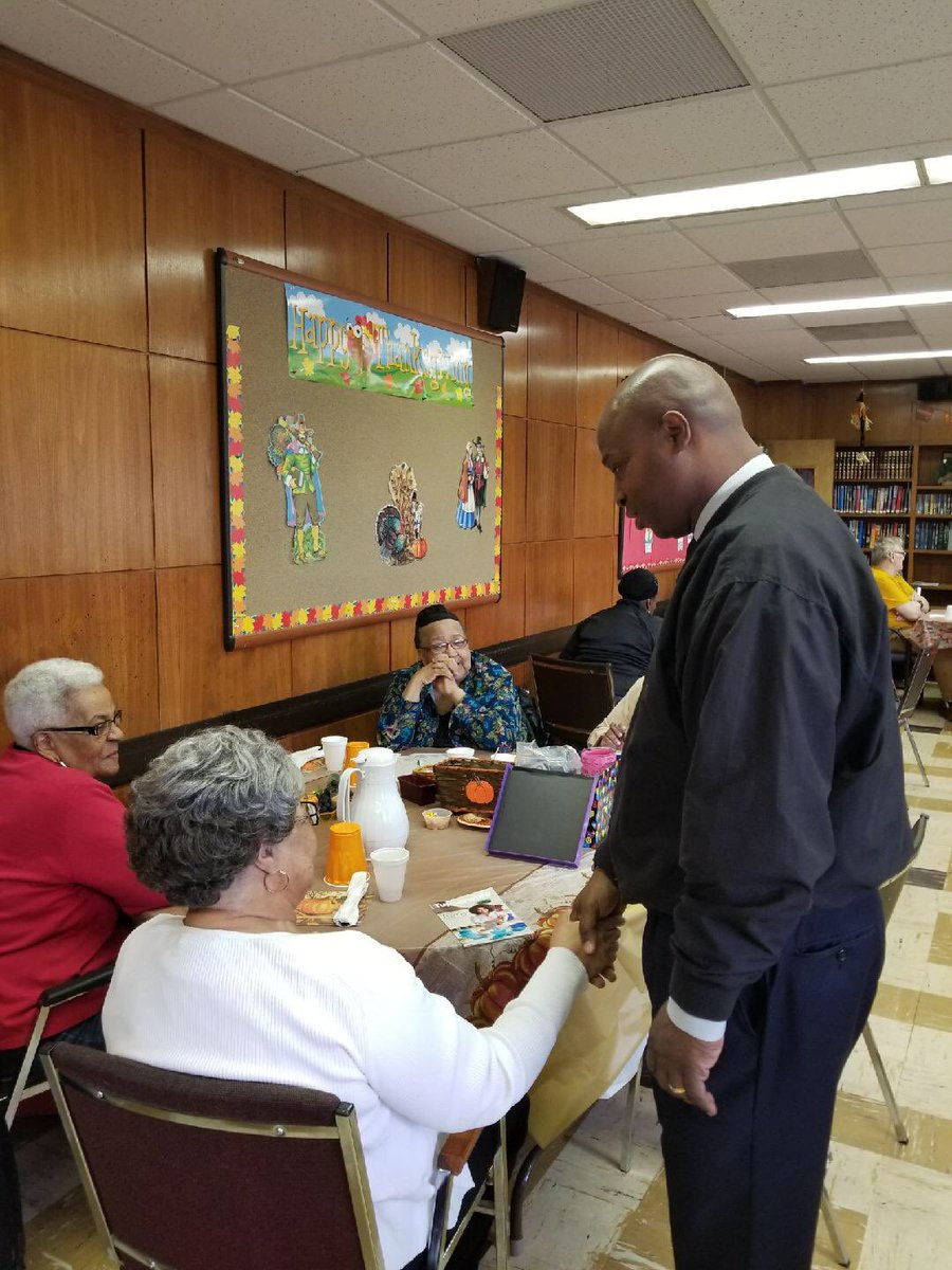 test Twitter Media - Yesterday I enjoyed teaming up with Broadview Mayor Katrina Thompson, the Village of Broadview, the Broadview Park District, & the Broadview Library Board to feed the Senior Club an amazing Thanksgiving Meal!  Earlier in the day, I did the same thing for the Seniors in Bellwood. https://t.co/tEphKHu5tp