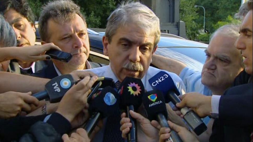 "Aníbal Fernández: ""No conocí ni la cara de Delhon"" https://t.co/cDHd2j6YxE https://t.co/vLvPXTzqJt"