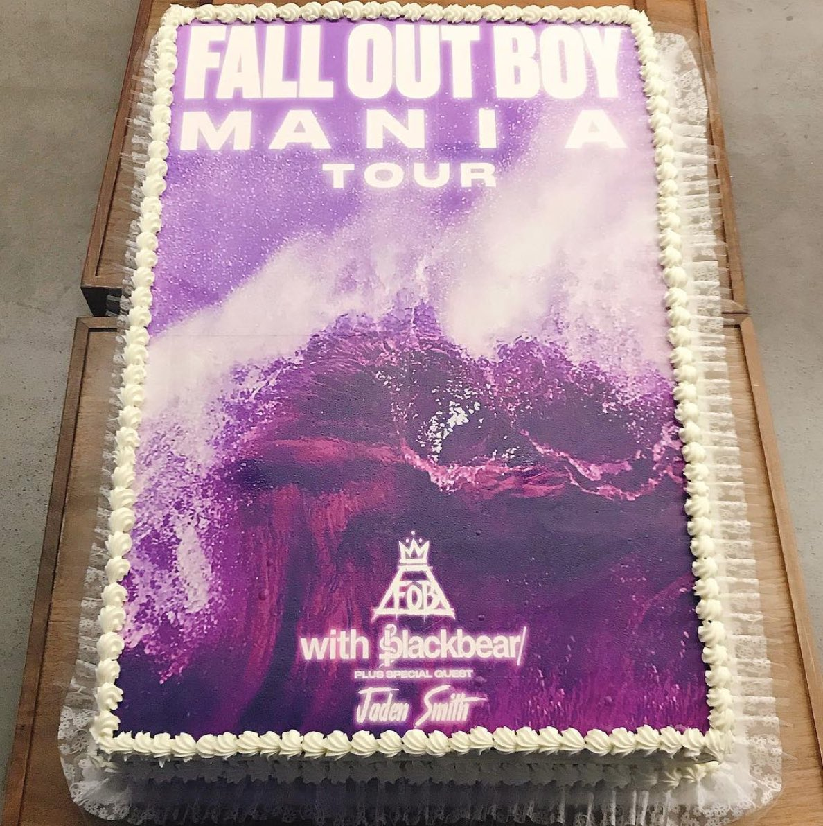 when you have a M A  N   I    A cake and can actually eat it too https://t.co/UjocT7lvVI