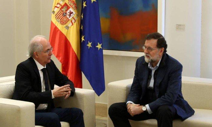Em Madri, Rajoy recebe ex-prefeito de Caracas que fugiu da Venezuela