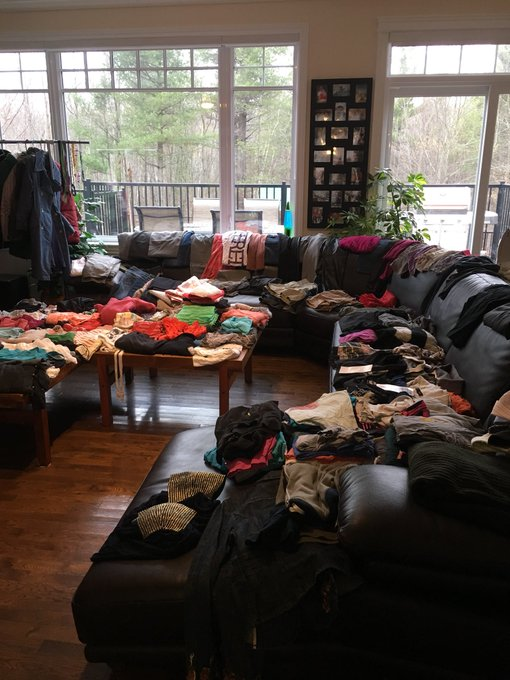 ...thing is getting overwhelming fast 😶 #ClothesSwap https://t.co/ozLyLz8DLk