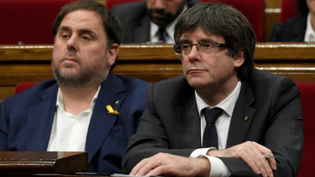Sacked Catalan leaders get pride of place in electoral lists