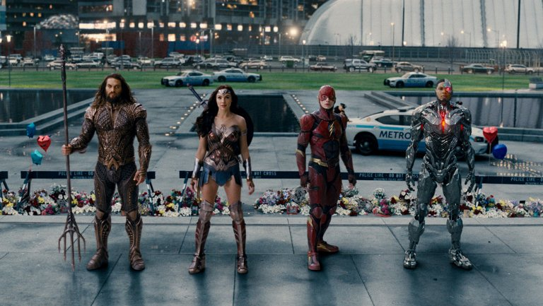 What that JusticeLeague post-credits scene is setting up