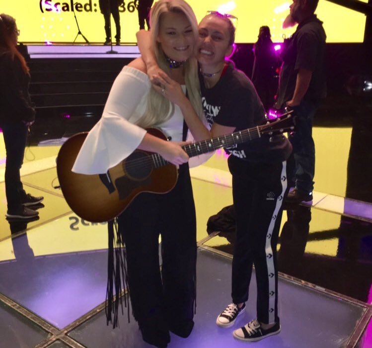 Ashland sounds sooooo good! Rehearsals @NBCTheVoice! Make sure you vote for #TeamMiley https://t.co/Kv8kayc7Cv