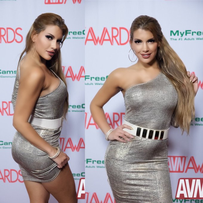 #RedCarpet at @AVNMediaNetwork @avnawards #NominationParty. Thank you #AVN for the nominations! ❤️ https://t