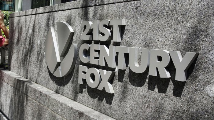 Sony joined the list of companies making acquisition overtures to 21st Century Fox
