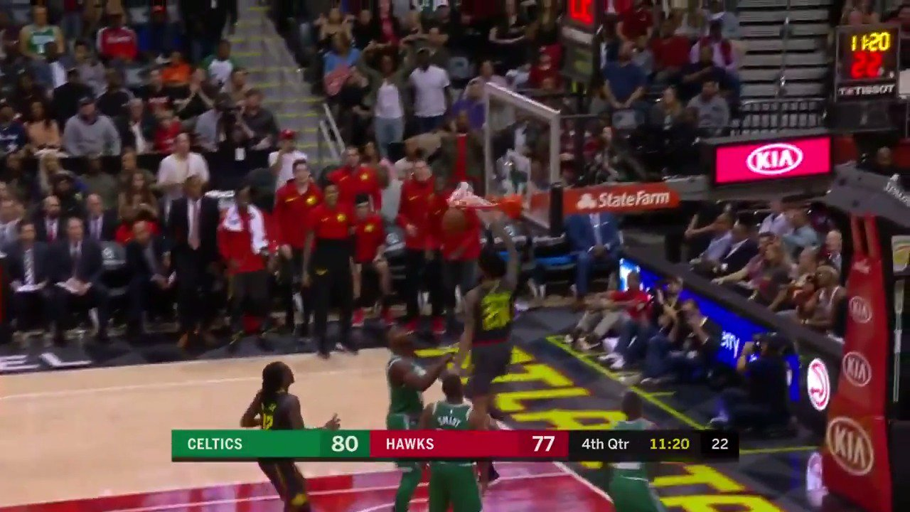 The Delaney block on one end leads to the Collins slam on the other! #TrueToAtlanta https://t.co/RE2BYaYMgB