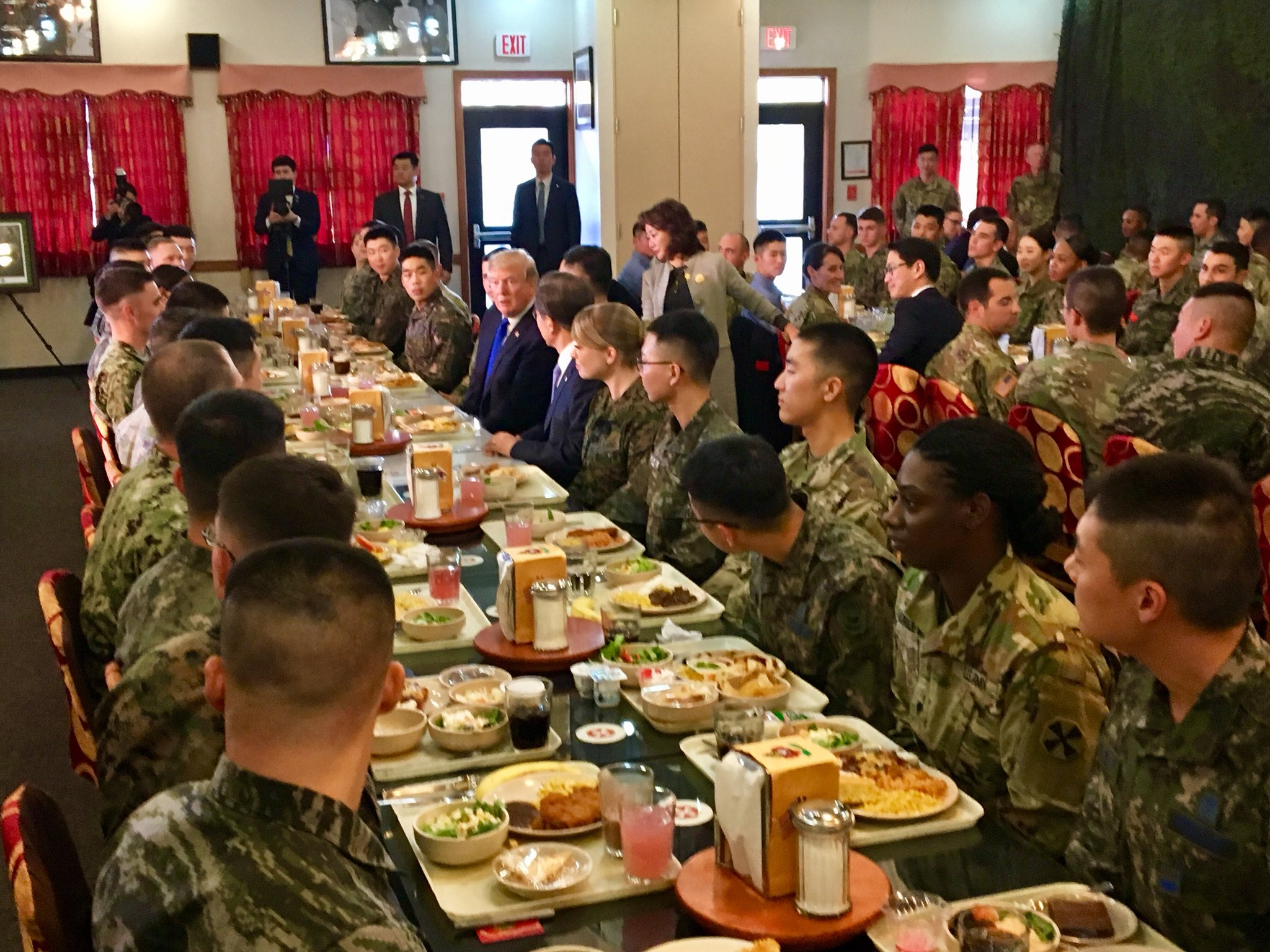 .@POTUS dines with our troops at Camp Humphreys in South Korea. #Loveourtroops! https://t.co/zbBOV6ln9S