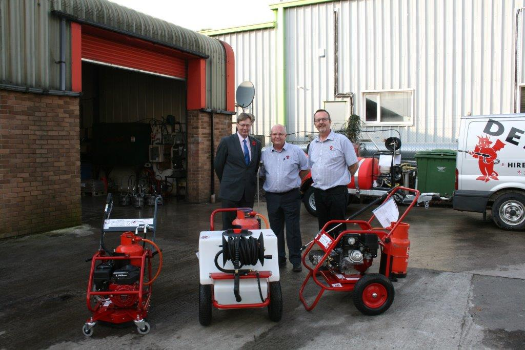 test Twitter Media - Great to have @garystreeterSWD visit @DemonPressure last week & talk about the LPG range of low emission #pressurewashers #greencleaning https://t.co/9RUlWZKzyR