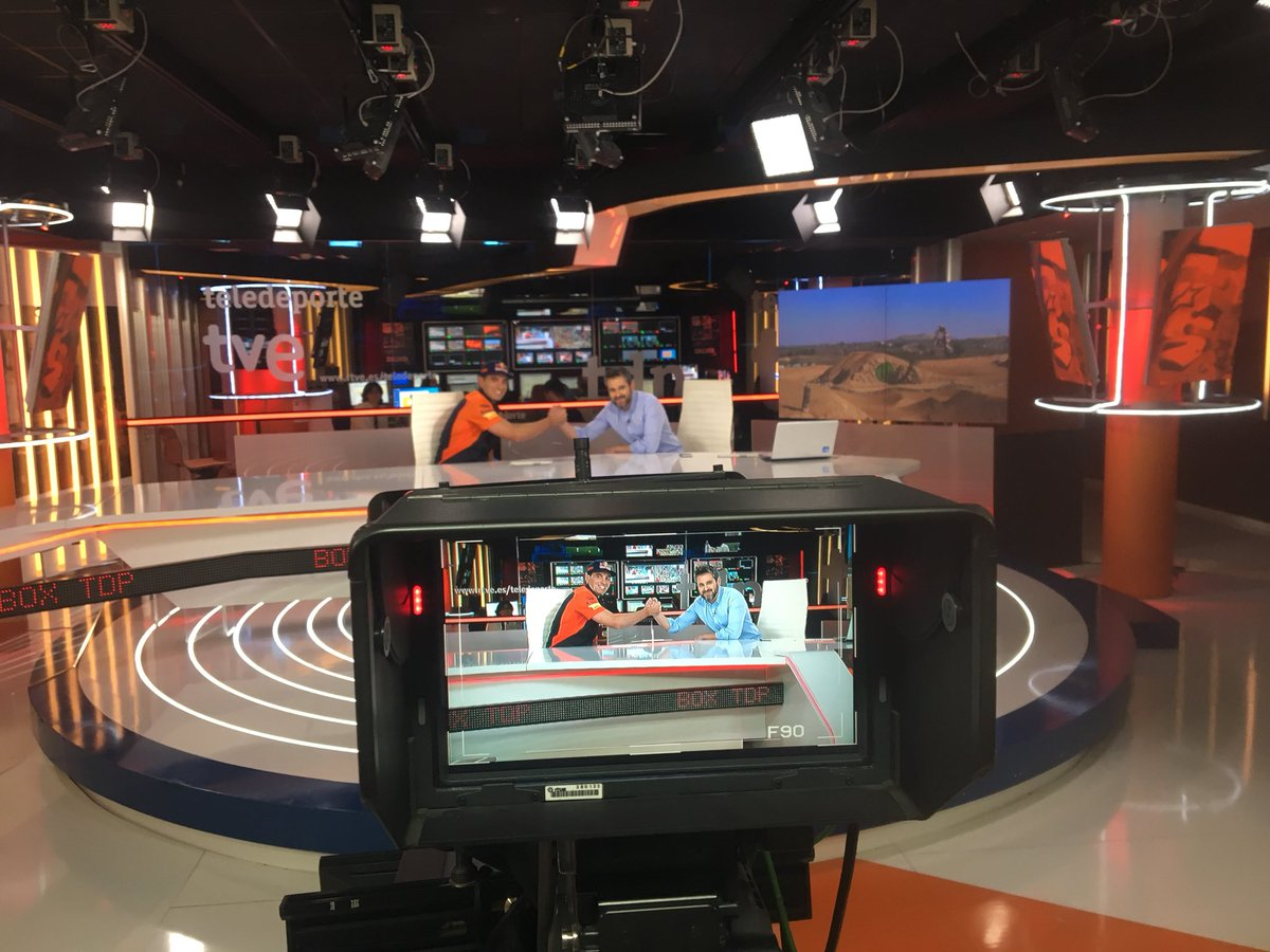 No os perdáis #boxteledeporte hoy a las 22h en @teledeporte 👀👀✊🏻✊🏻✊🏻 @marcmartintw https://t.co/VvQu357DF9