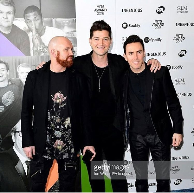 Great fun at the Music Industry Trusts Awards last night honoring Rob Stringer, Massive Congratulations Rob ������ https://t.co/OUQbdrHG0J