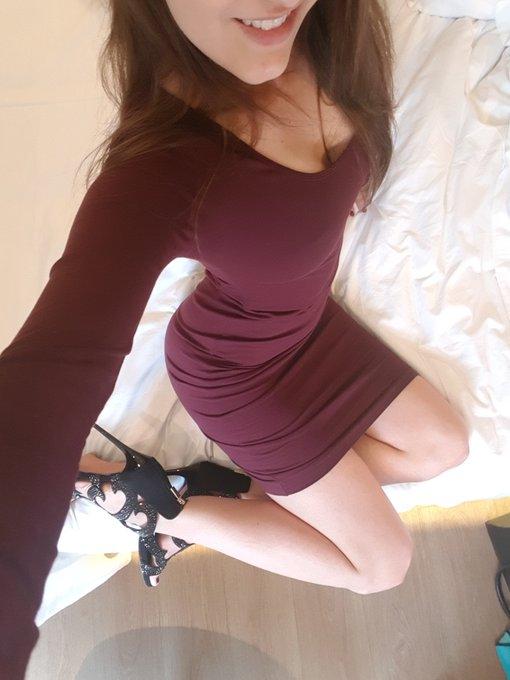 Je tourne des vidéos pour mon site ce matin avant de repartir ! J'adore cette nouvelle robe ! https://t