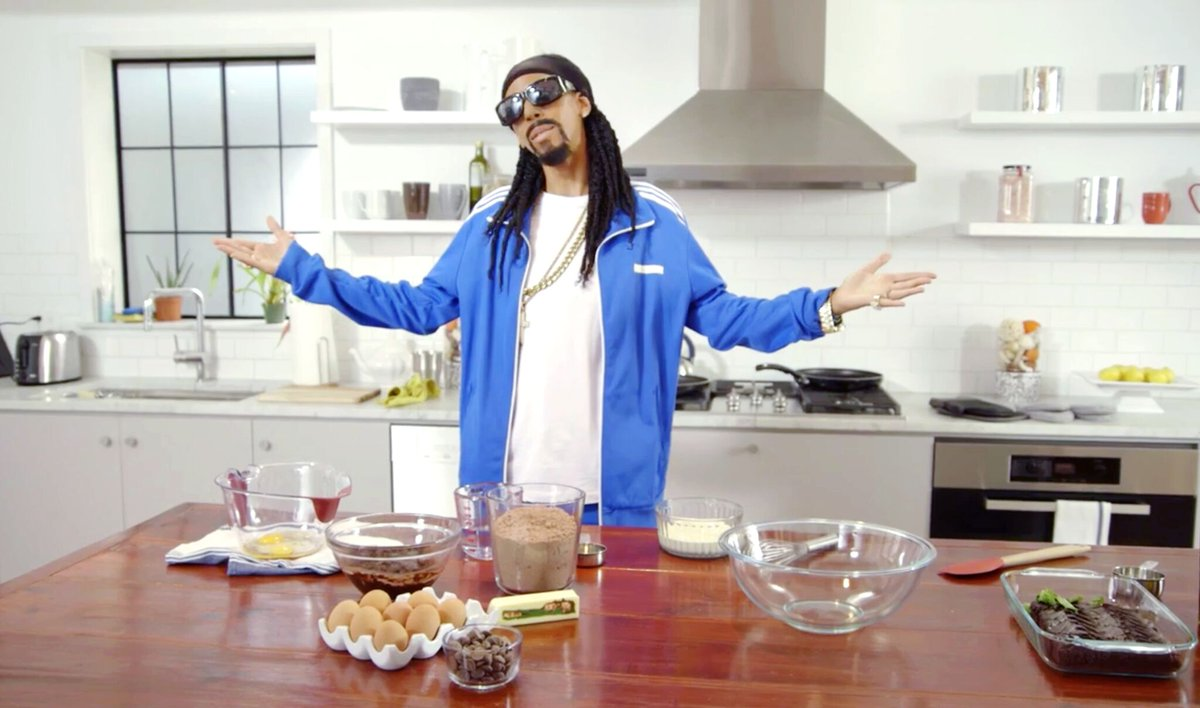 You're not going to want to miss #50CentralBET tonight ???????????? 10:30 pm EST @SnoopDogg https://t.co/OQswBgOLeK