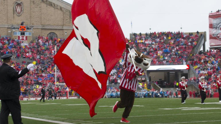 Judging the College Football Playoff Rankings: Wisconsin deserves more respect https://t.co/FVOes6PVJY https://t.co/RSUn74mJit