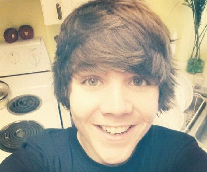 Happy Birthday Damon Fizzy :)