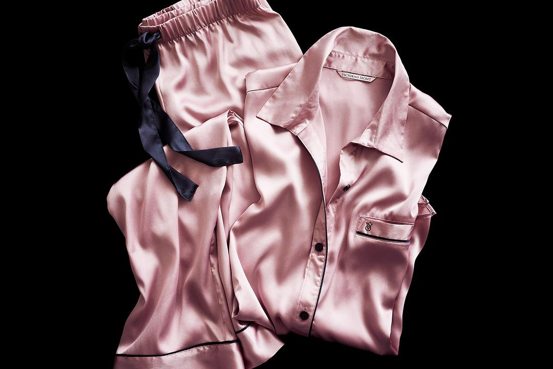 PM polish via luxe satin PJ's. #DreamLikeAnAngel https://t.co/vskd0Dl4Cf https://t.co/lI1dfLyPCI