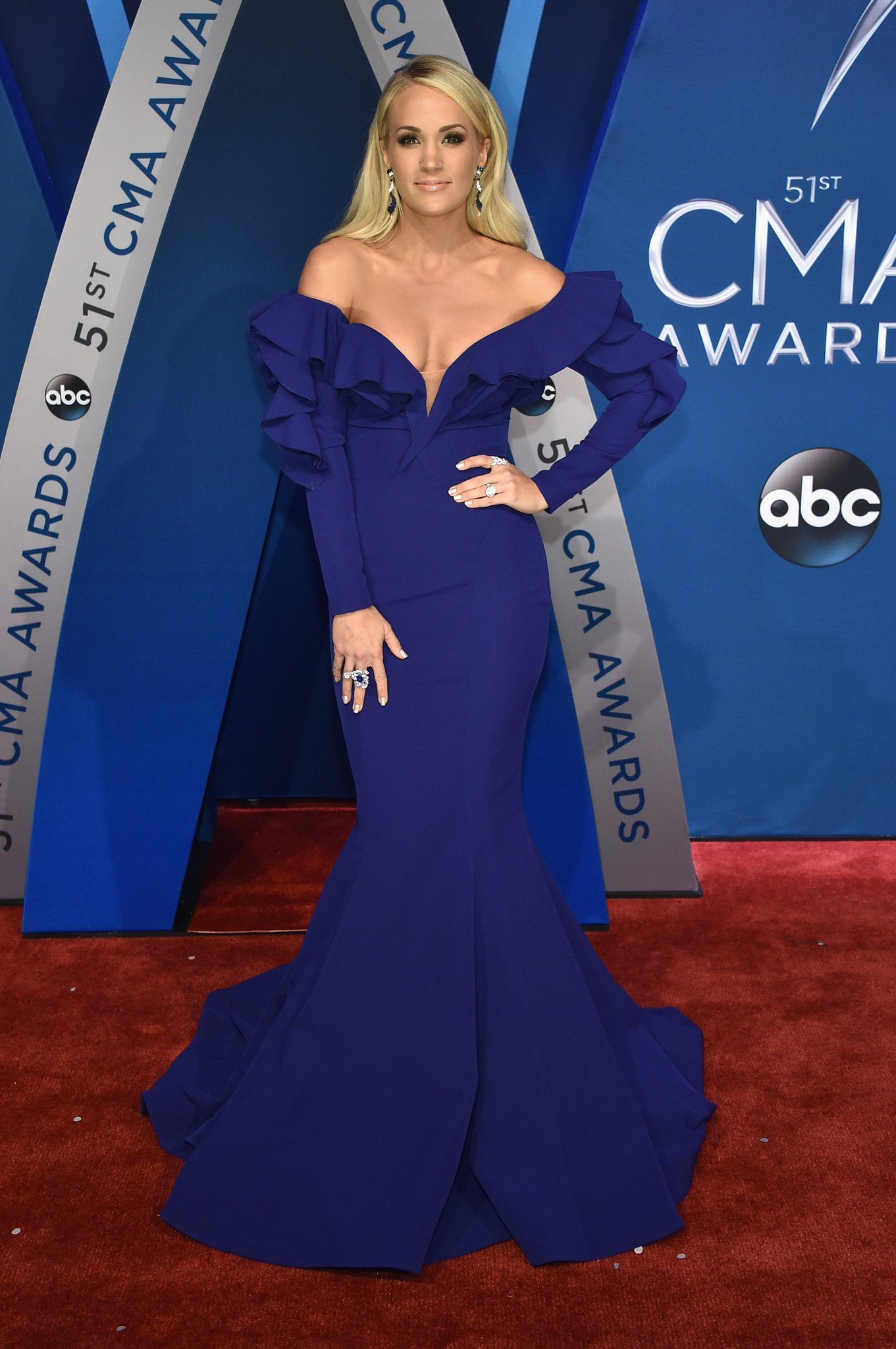 Brb, catching our breath. @CarrieUnderwood  #CMAAwards https://t.co/Y8k8AJgRUk
