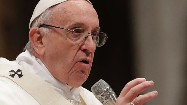 Pope Francis has a message for Catholics: put down your mobile in Mass