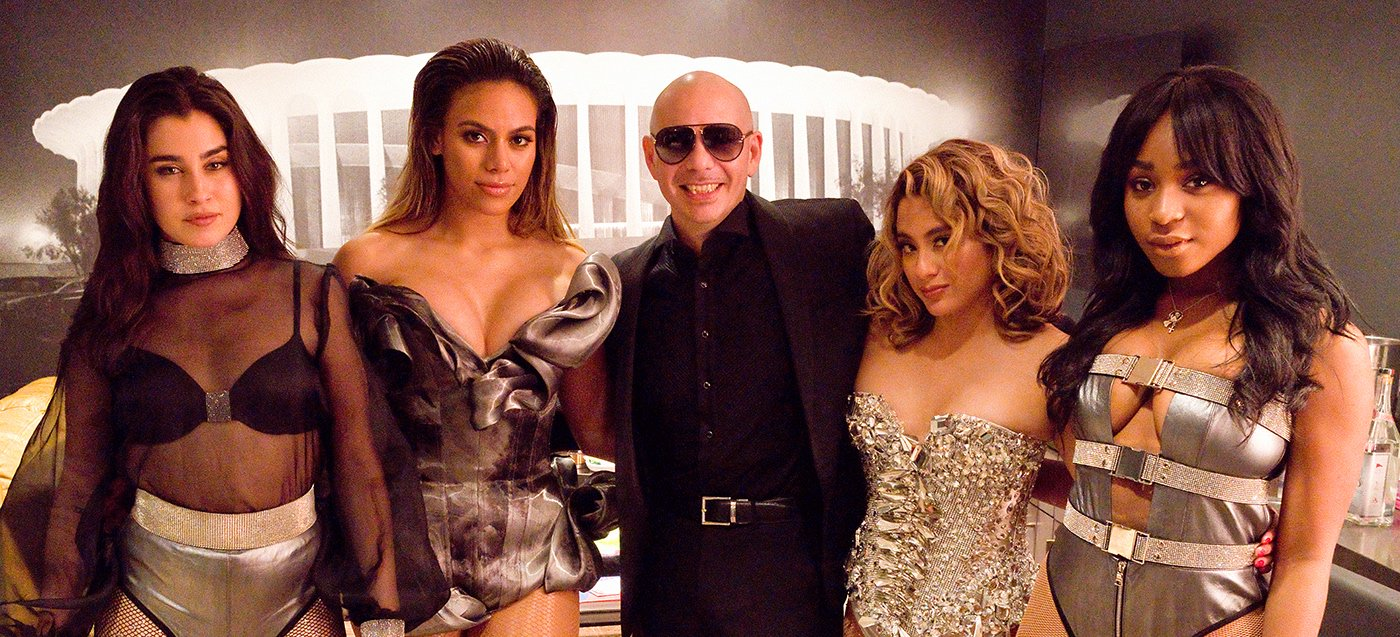The one and only Mr. Worldwide �� Loved getting to perform #PorFavor with you at @theforum @pitbull! #TBT https://t.co/uKqNEH0ZIA