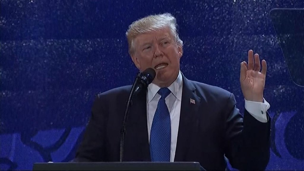 BUSINESS DAILY - Trump takes combative stance on free trade deals at APEC summit