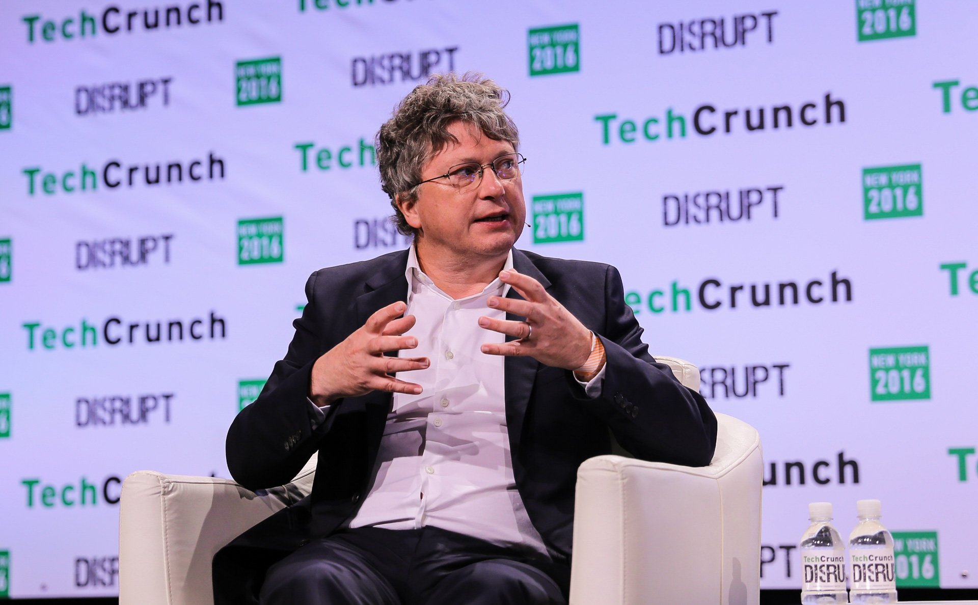 Parrot's Henri Seydoux comes to Disrupt to talk about commercial drones https://t.co/CaHRB4HW7B by @romaindillet https://t.co/inFsIb4L3a