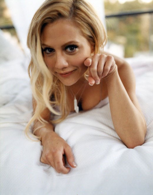 Happy birthday to the beautiful and talented brittany murphy, she would have turned 40 today