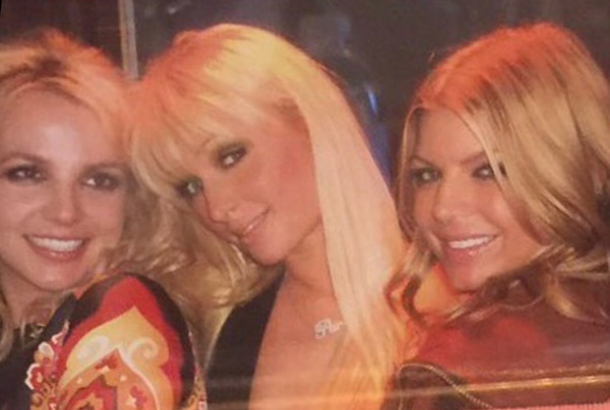 ???????????????????????? @BritneySpears @Fergie https://t.co/LZoE9ROtMn