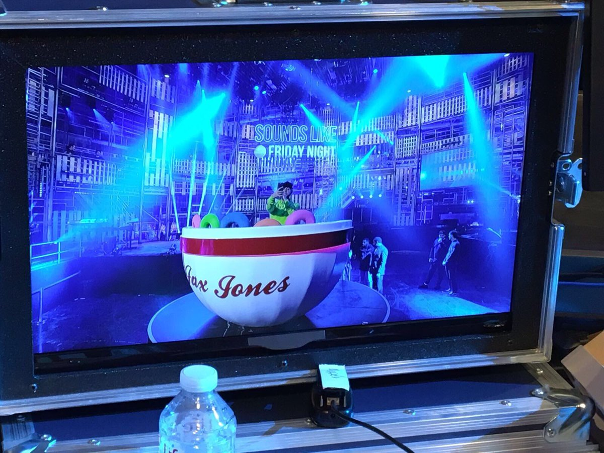 RT @JaxJones: Ready. Set.... @BBCOne #SoundsLikeFridayNight @ddlovato @stefflondon #Instruction 💃🕺🌶 https://t.co/mILLaIetKV