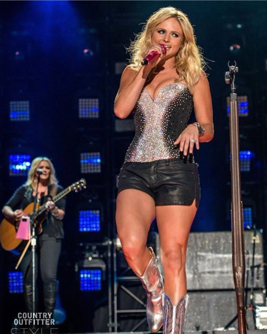 Happy Birthday to my favorite country singer Miranda Lambert, she turns 34 today