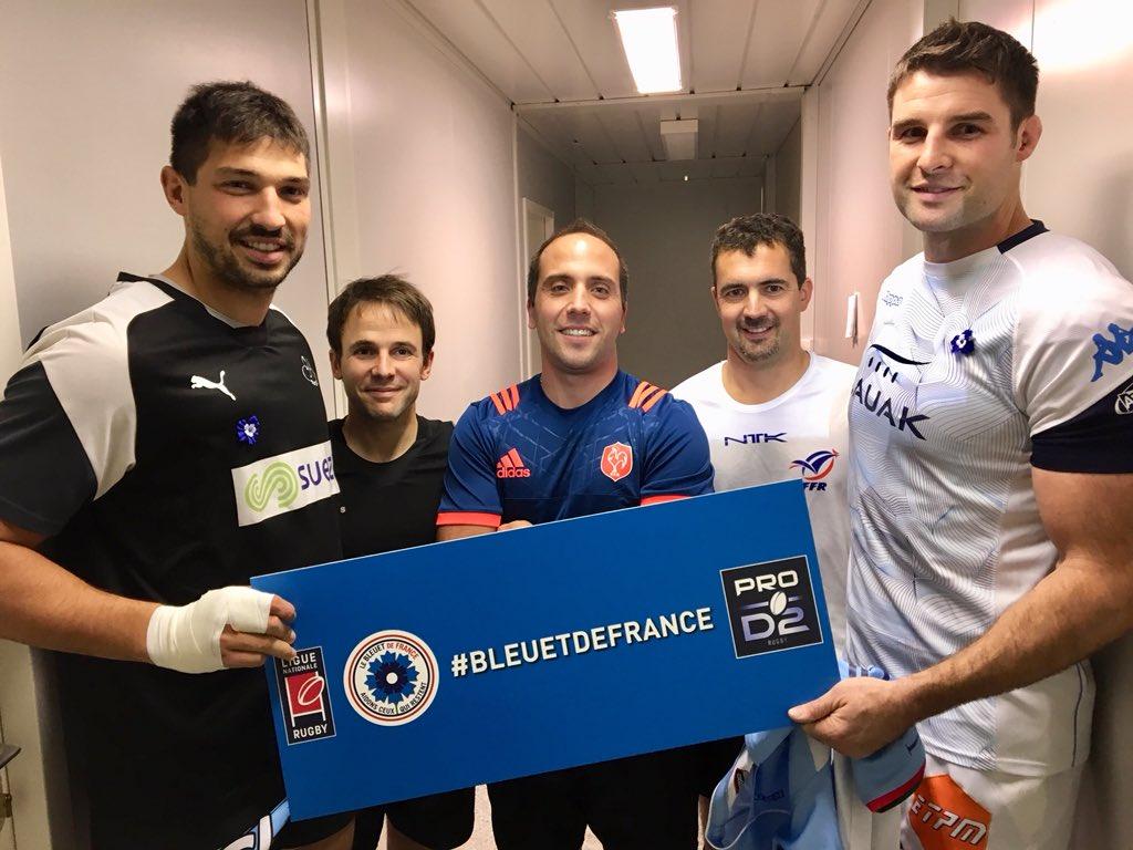 Les capitaines et les arbitres de #ABRCME soutiennent #BleuetdeFrance https://t.co/W0Zr5TLGZY