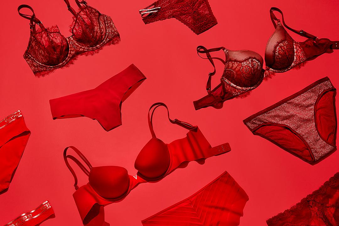 Never not hot: red is always on our wish list. https://t.co/Jr5Cd9JFir https://t.co/yNTFEaHnmX