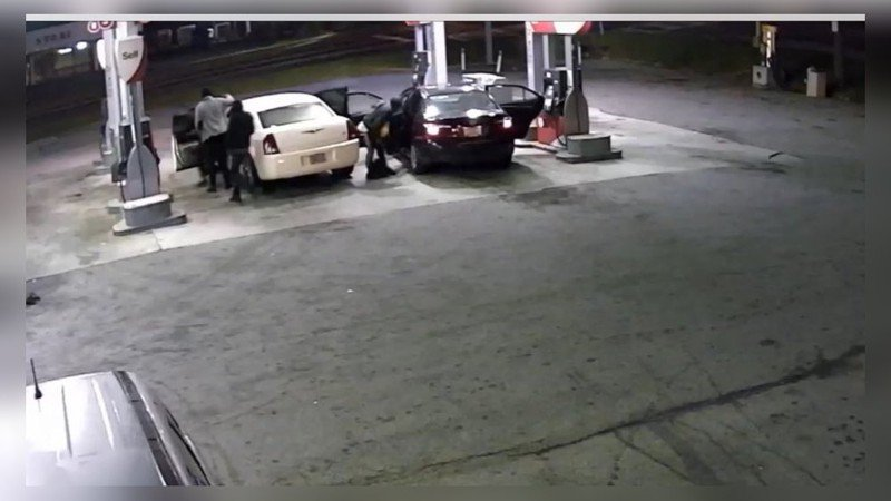 Seconds after robbery, woman carjacked at same gas station