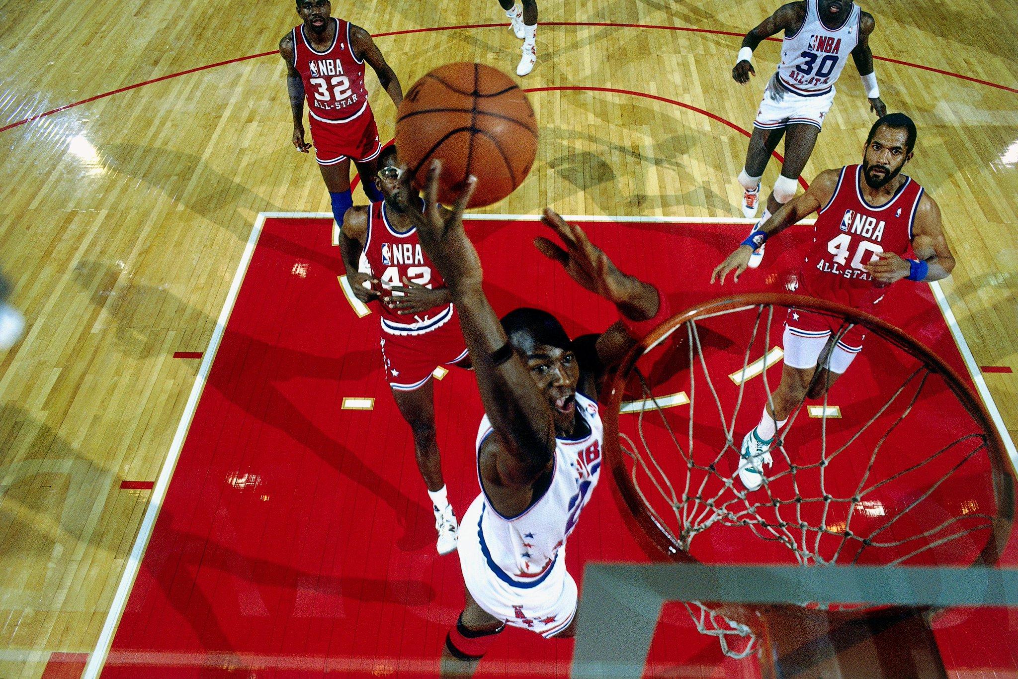 1988 #NBAAllStar Chicago Friday Flashback...   Michael Jordan earns MVP with 40 points (17/23 FG)! https://t.co/OVB9nGH6SA