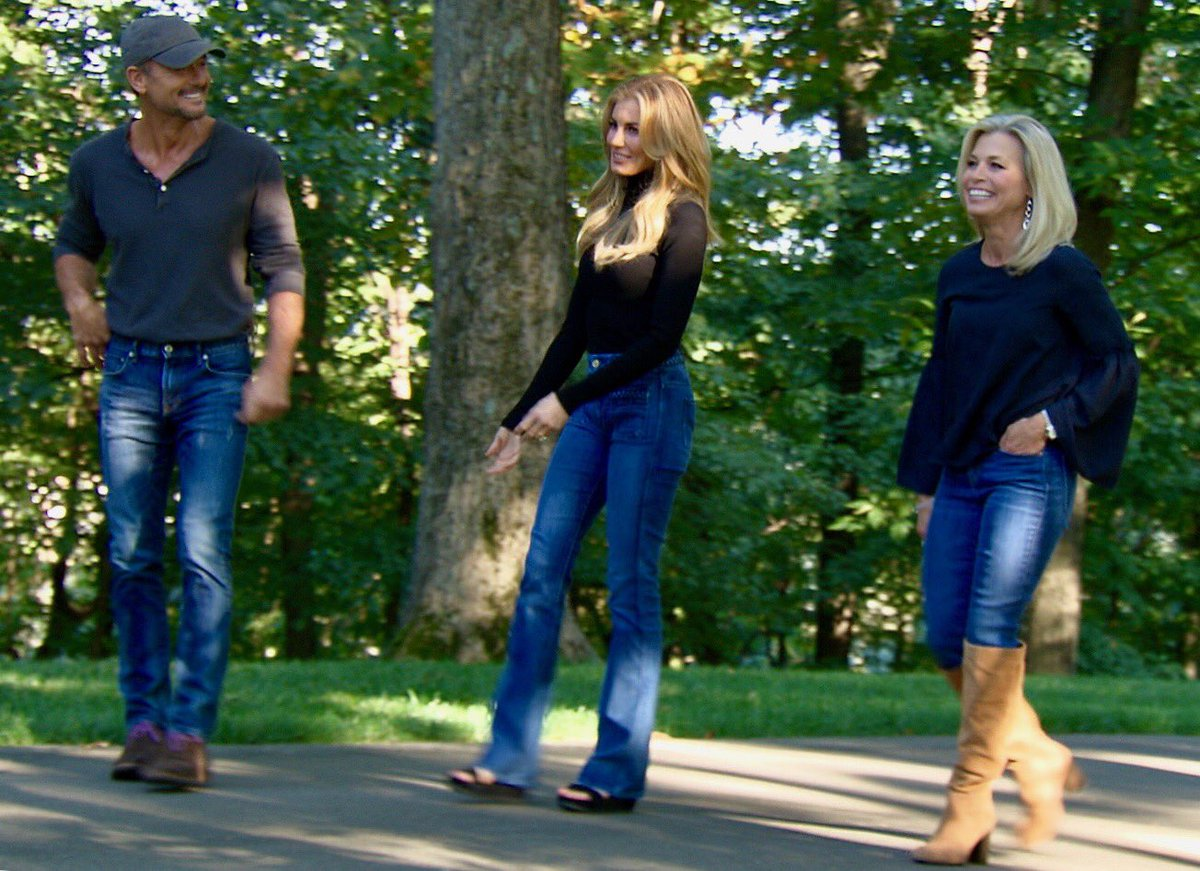 RT @thattracysmith: At home w the always delightful @FaithHill and @TheTimMcGraw this  @CBSSunday 11/12 https://t.co/3YJEuXVbDf