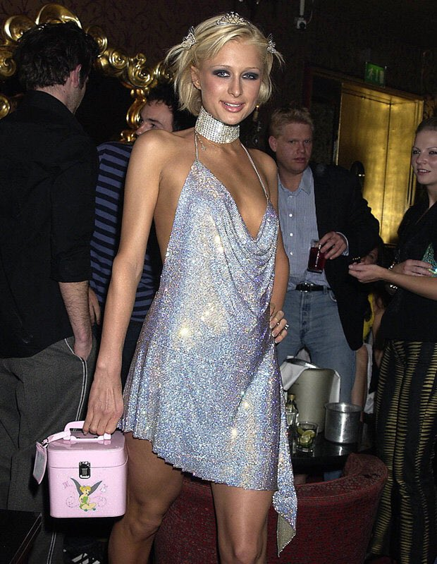 "RT @RosieRuane: LOVES IT. ????  ""15 Things @ParisHilton DID FIRST"" https://t.co/gxcjKOuP4u https://t.co/Y7qysbcZ1r"