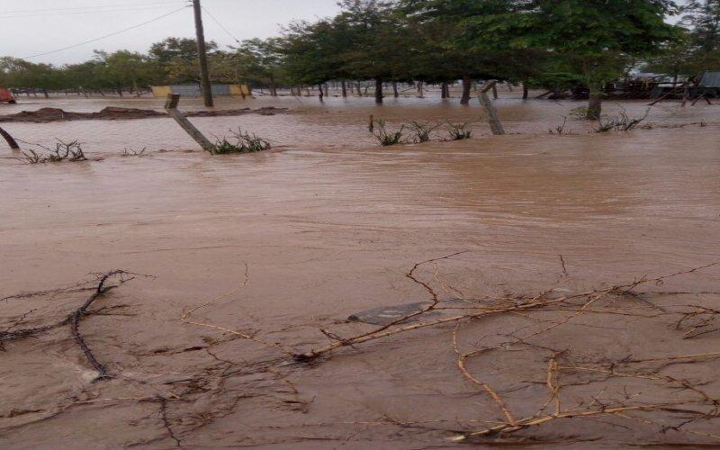 Mombasa road regarded impassable at sultan Hamud following floods