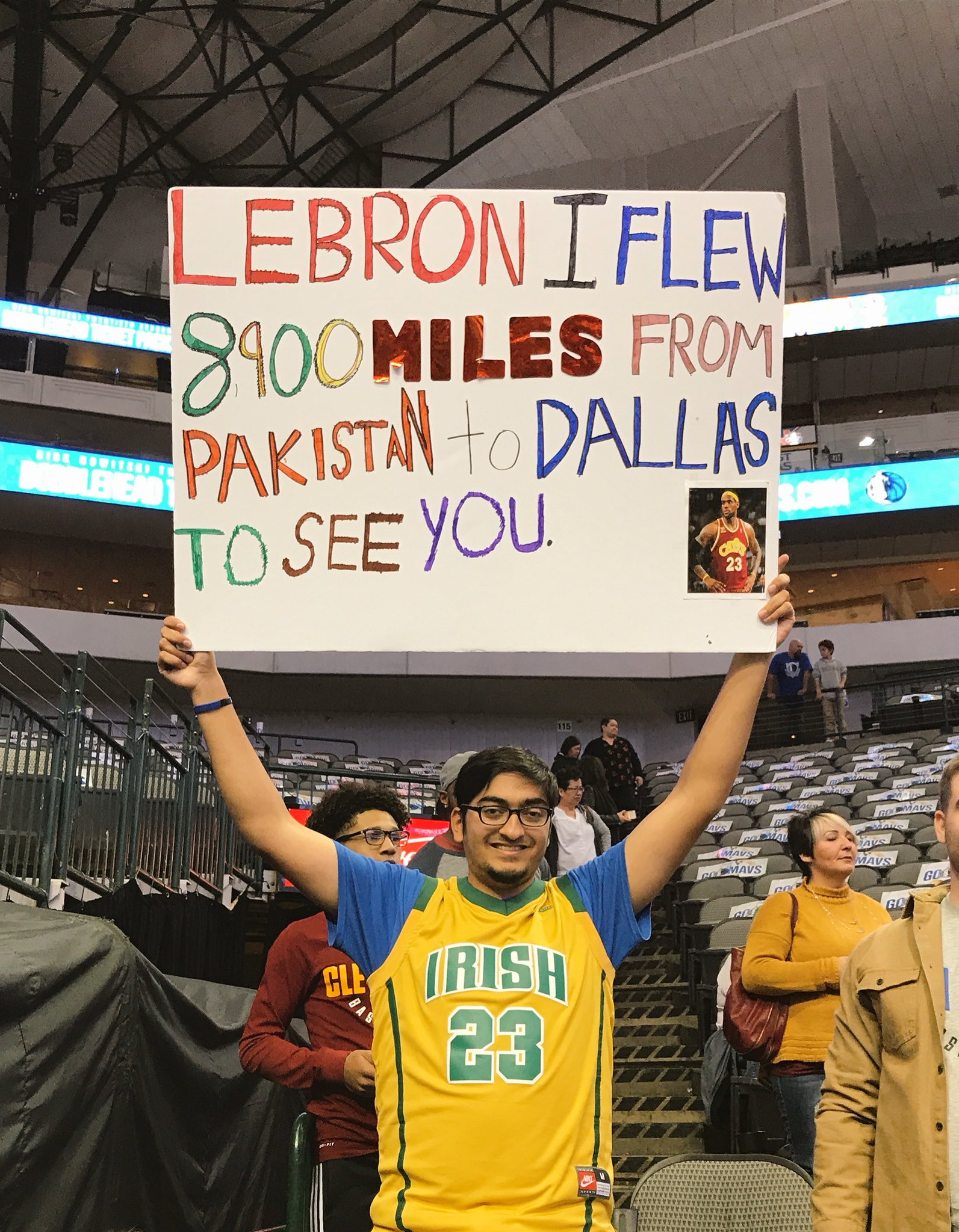 8900 miles!  @CavsWGNation is strong across the globe. ��  #CavsMavs || #AllForOne https://t.co/LQvuyqBoV6