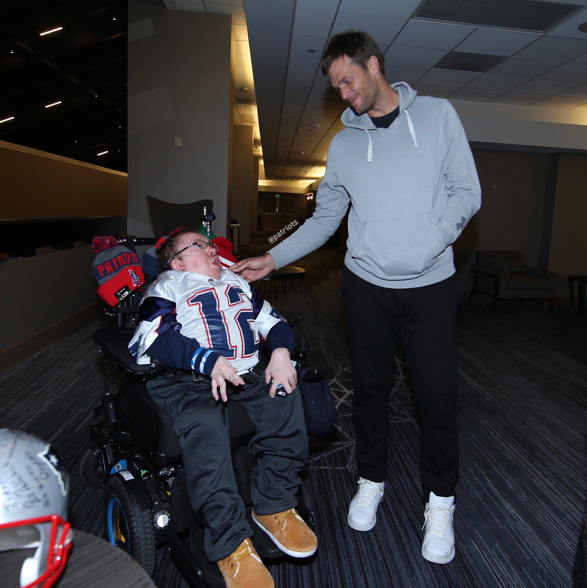 A special meeting with a special fan.  Hear Aaron's story tomorrow on Sunday NFL Countdown. https://t.co/R2Tten474K