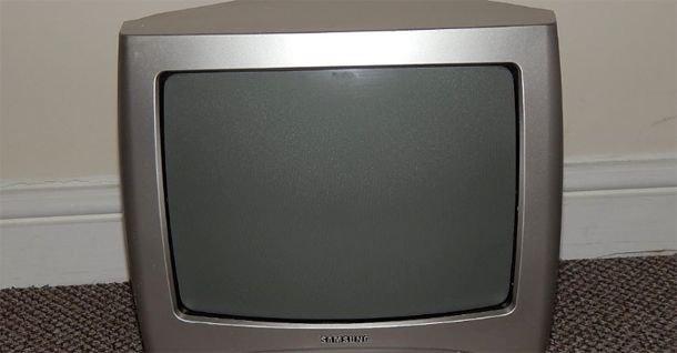 """Samsung venderá televisores """"que son una mierda"""" para ponerlos en la cocina"""